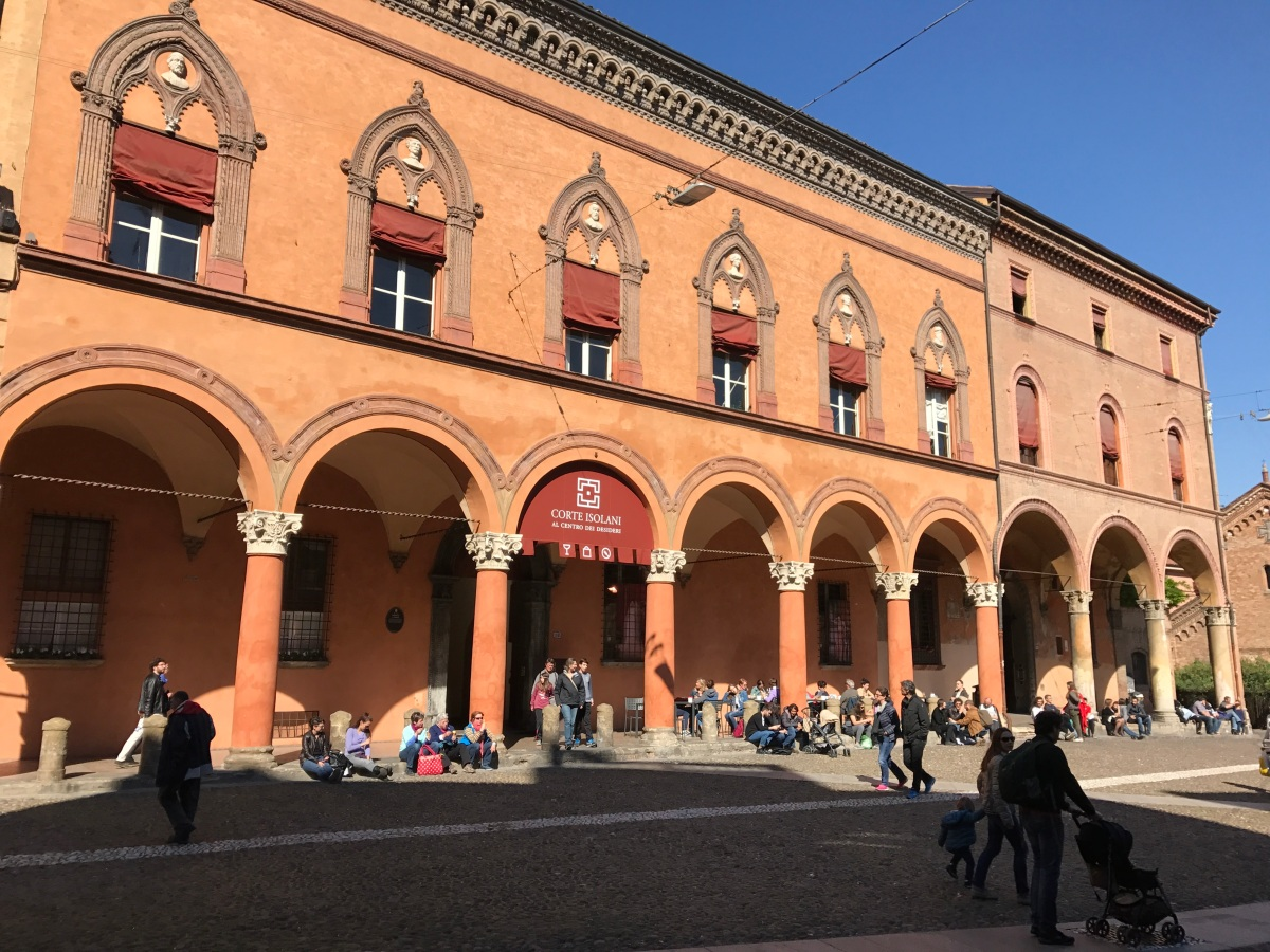 Living Like a Local in Bologna