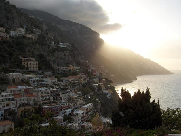 positano-at-daybreak-1519222-638x480